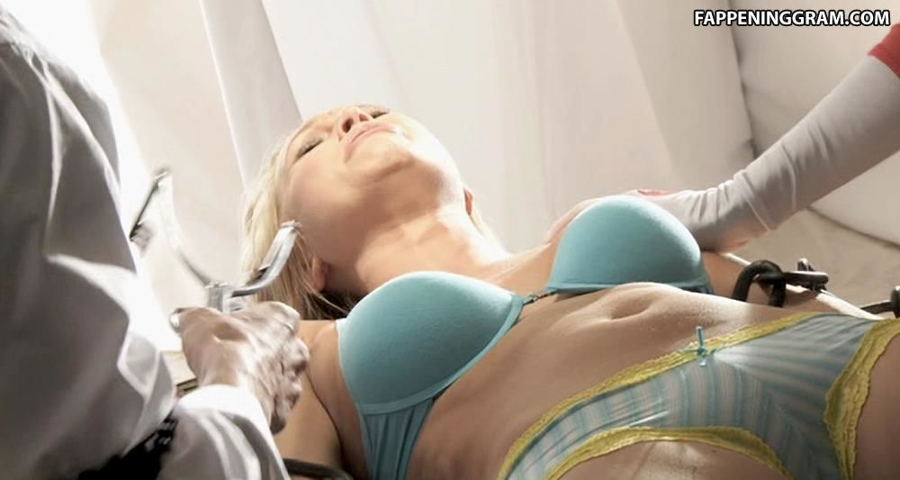 Alana Curry Nude
