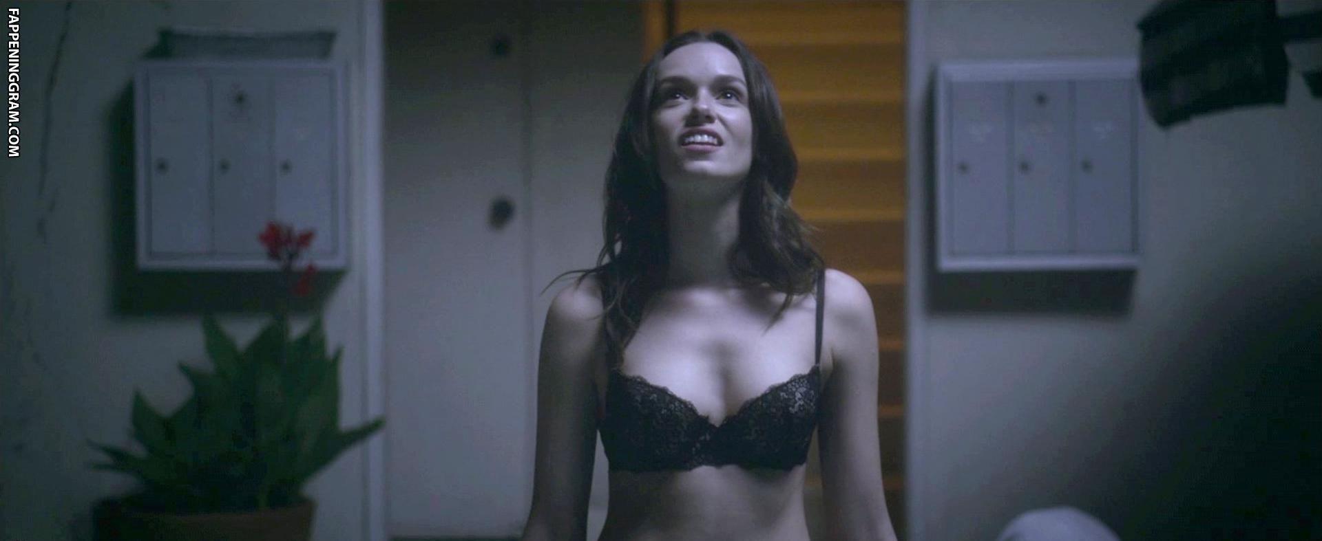 Nackt  Elizabeth Anweis Elizabeth Anweis