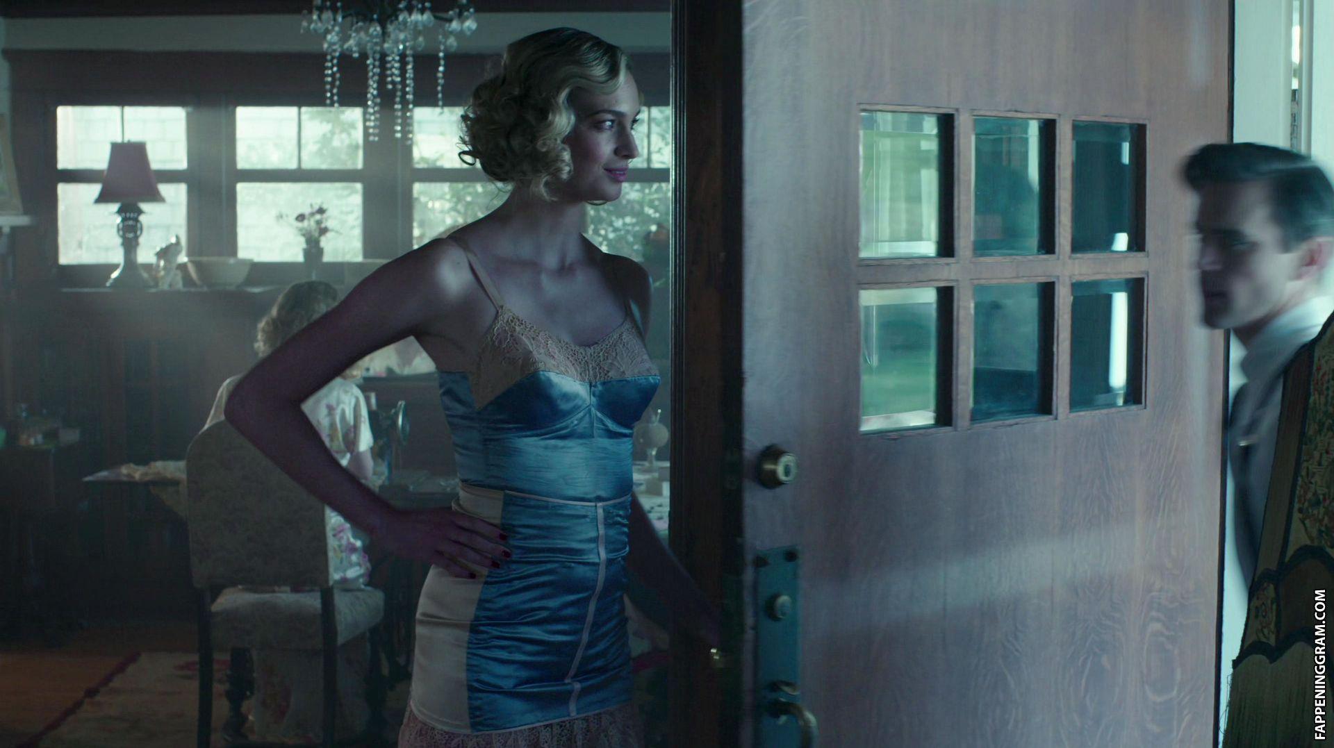Allegra Edwards  nackt