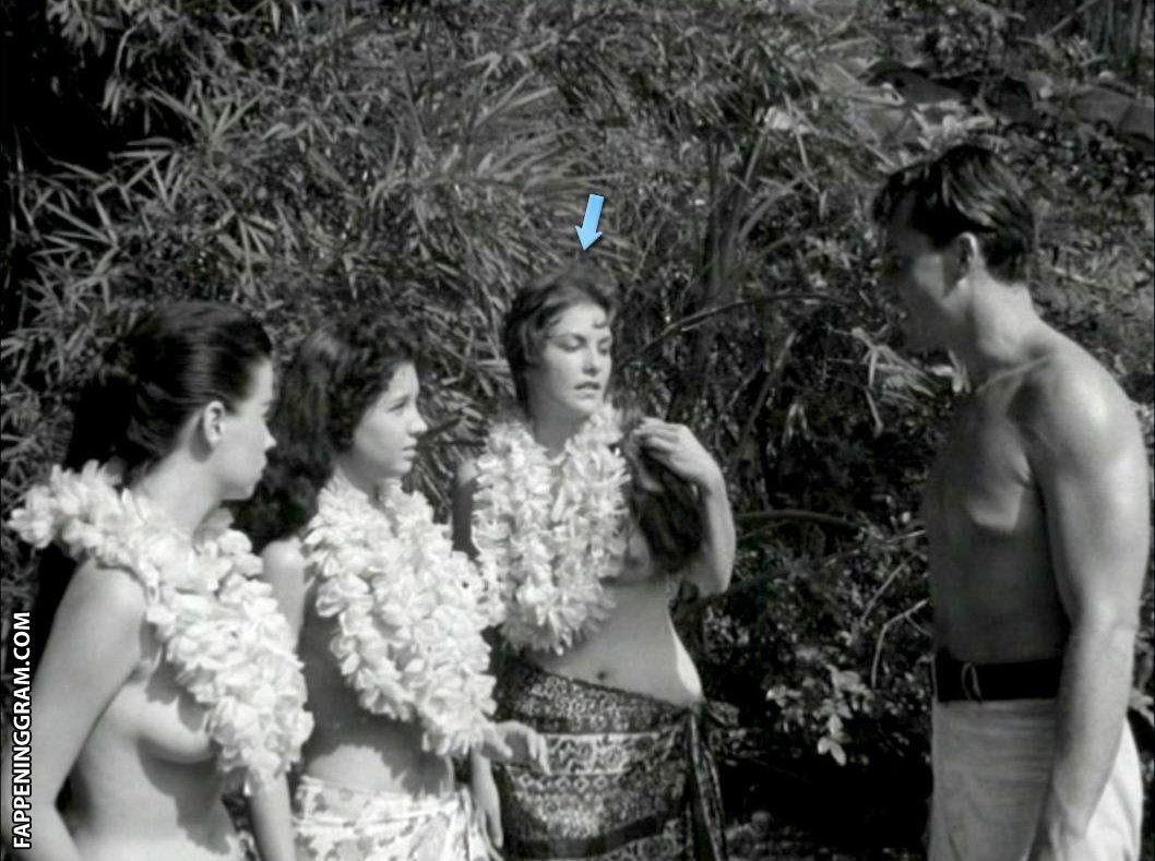 Louise nackt Allison Downe  nudist camp