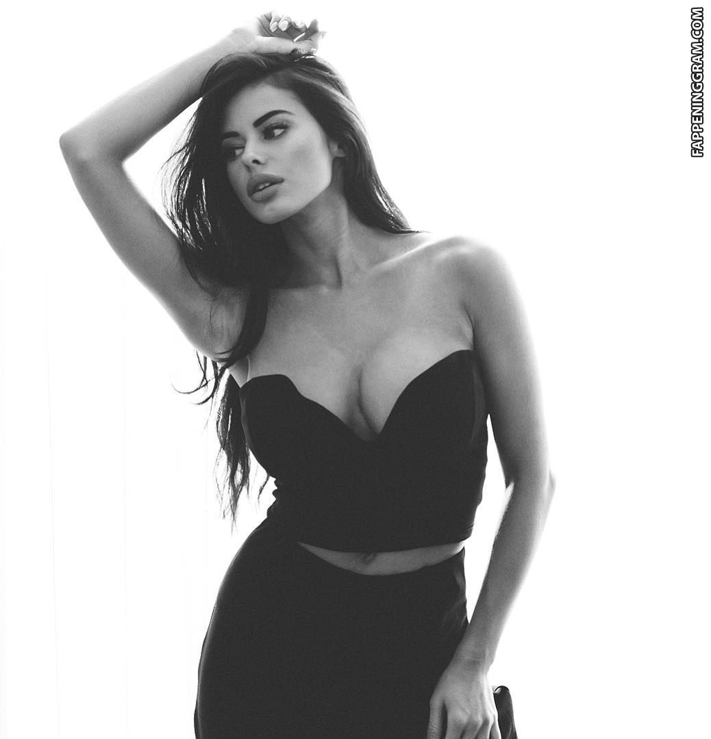 Rodriguez  nackt Amanda Amanda Rodriguez
