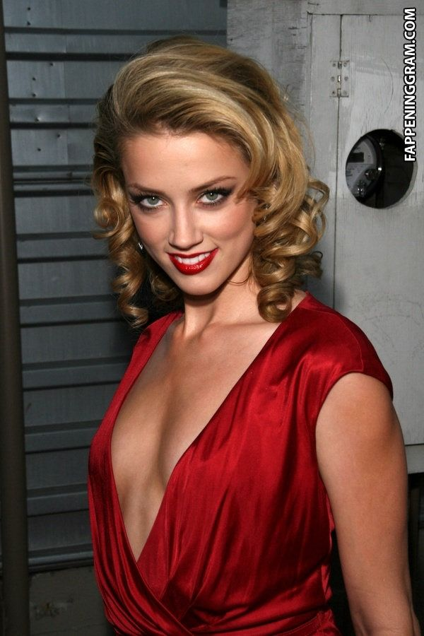 https://cdn.fappeninggram.com/photos/amber-heard/amber-heard-nude419.jpg
