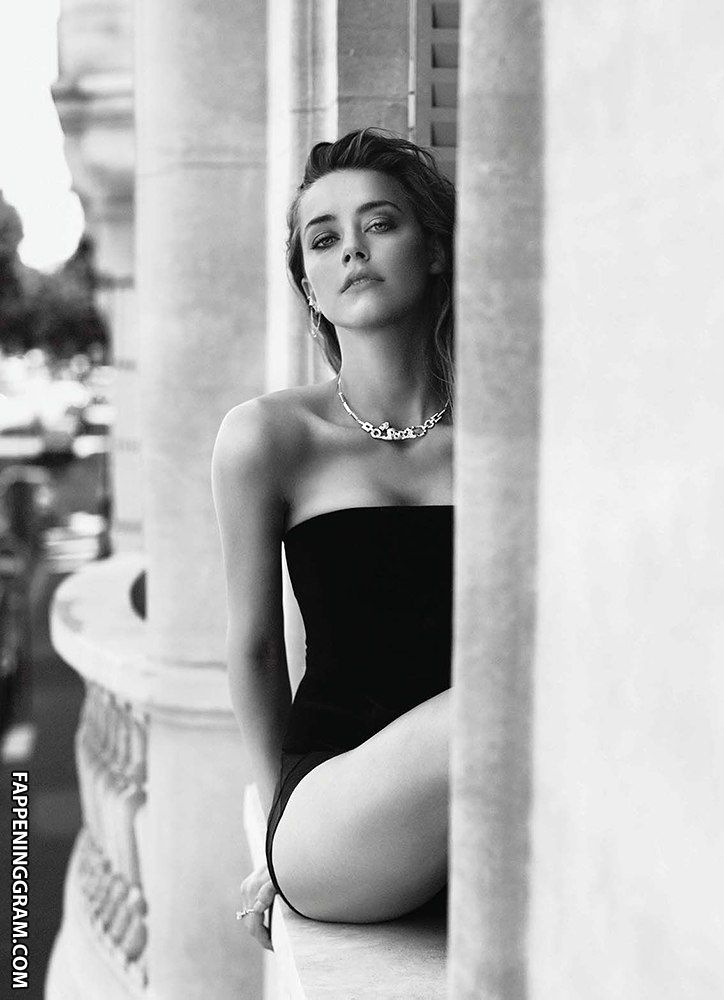 https://cdn.fappeninggram.com/photos/amber-heard/amber-heard-nude462.jpg