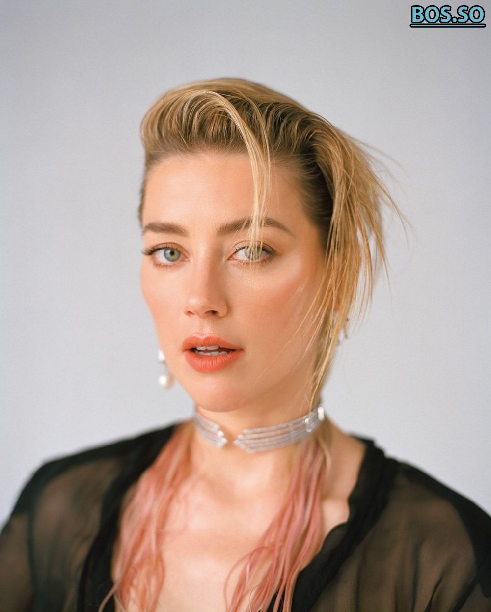 https://cdn.fappeninggram.com/photos/amber-heard/amber-heard-nude715.jpg