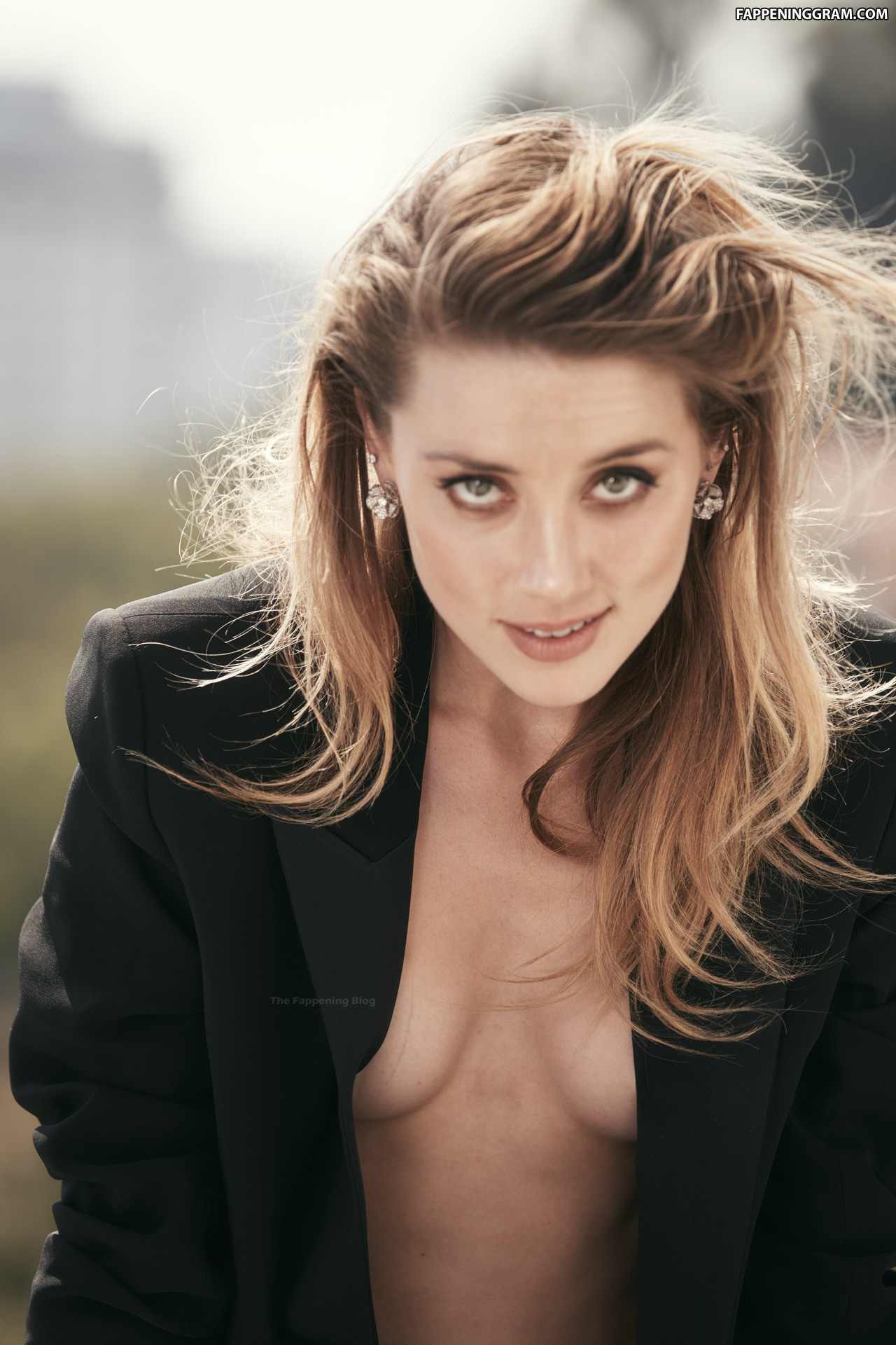 https://cdn.fappeninggram.com/photos/amber-heard/amber-heard-nude998.jpg