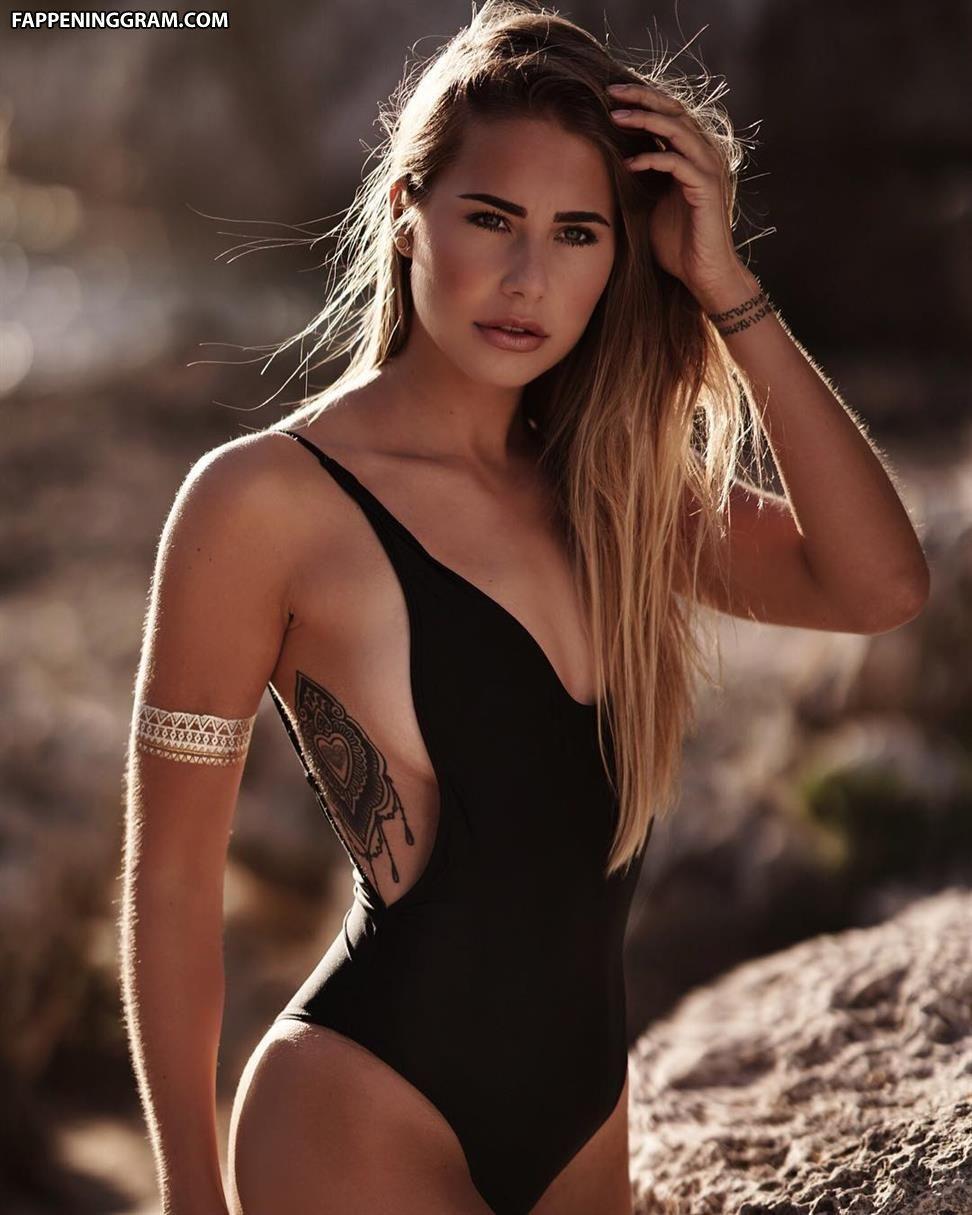 Natalie Cristiani  nackt