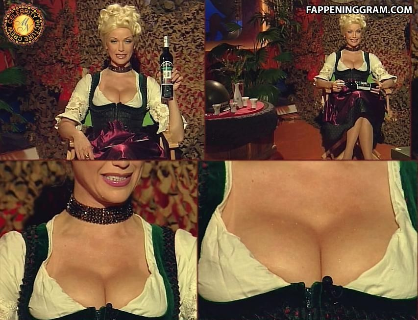 Carmen Lavigne  nackt