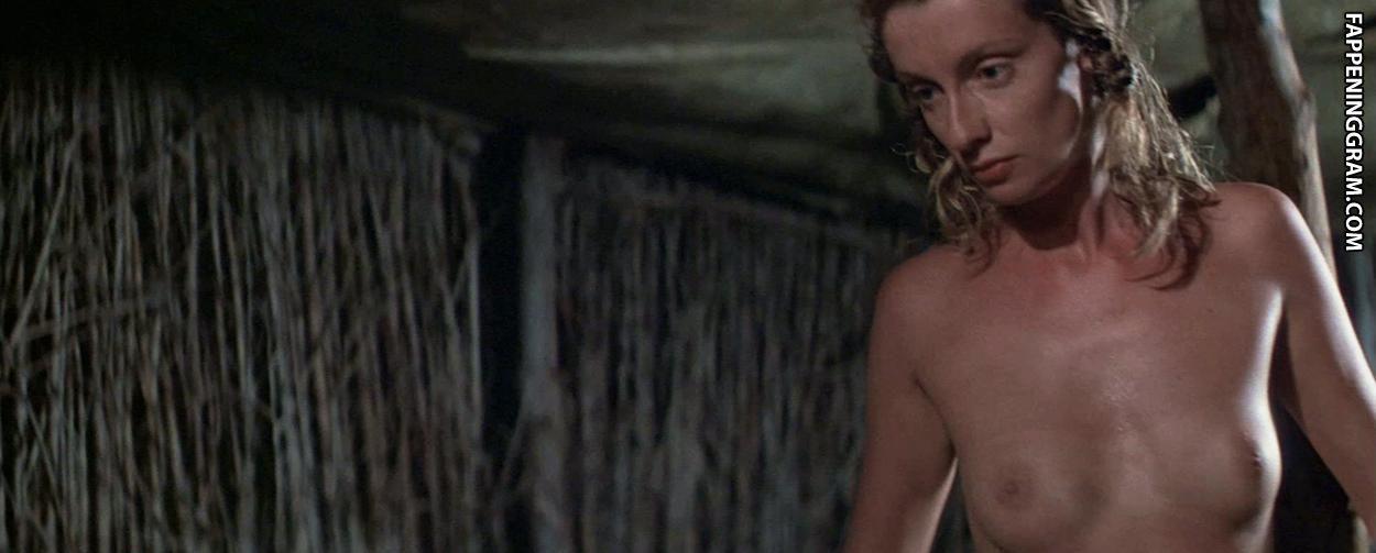Natalie Bergman  nackt