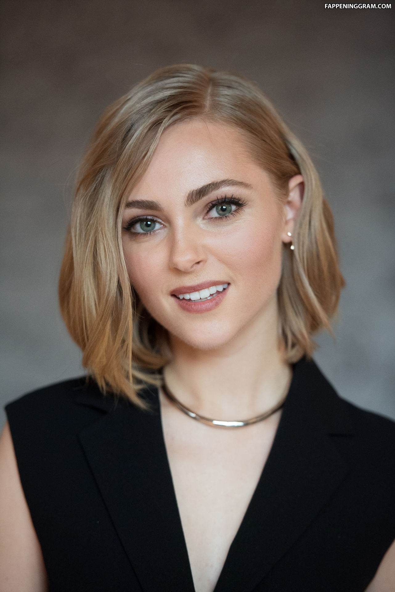 Rebecca Ferdinando in 2020   Celebs, Celebrity oops, Rebecca
