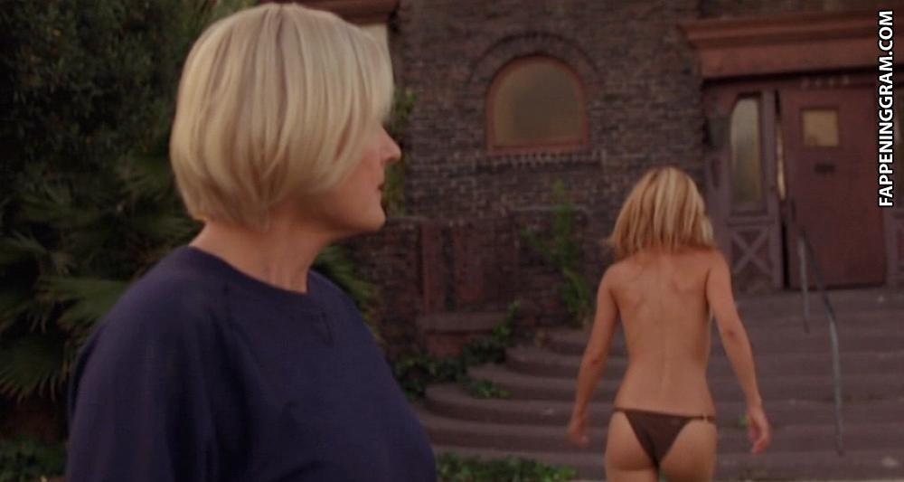 Keira Malik  nackt