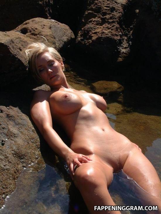 Bessie Bardot Nude Leaked Photos