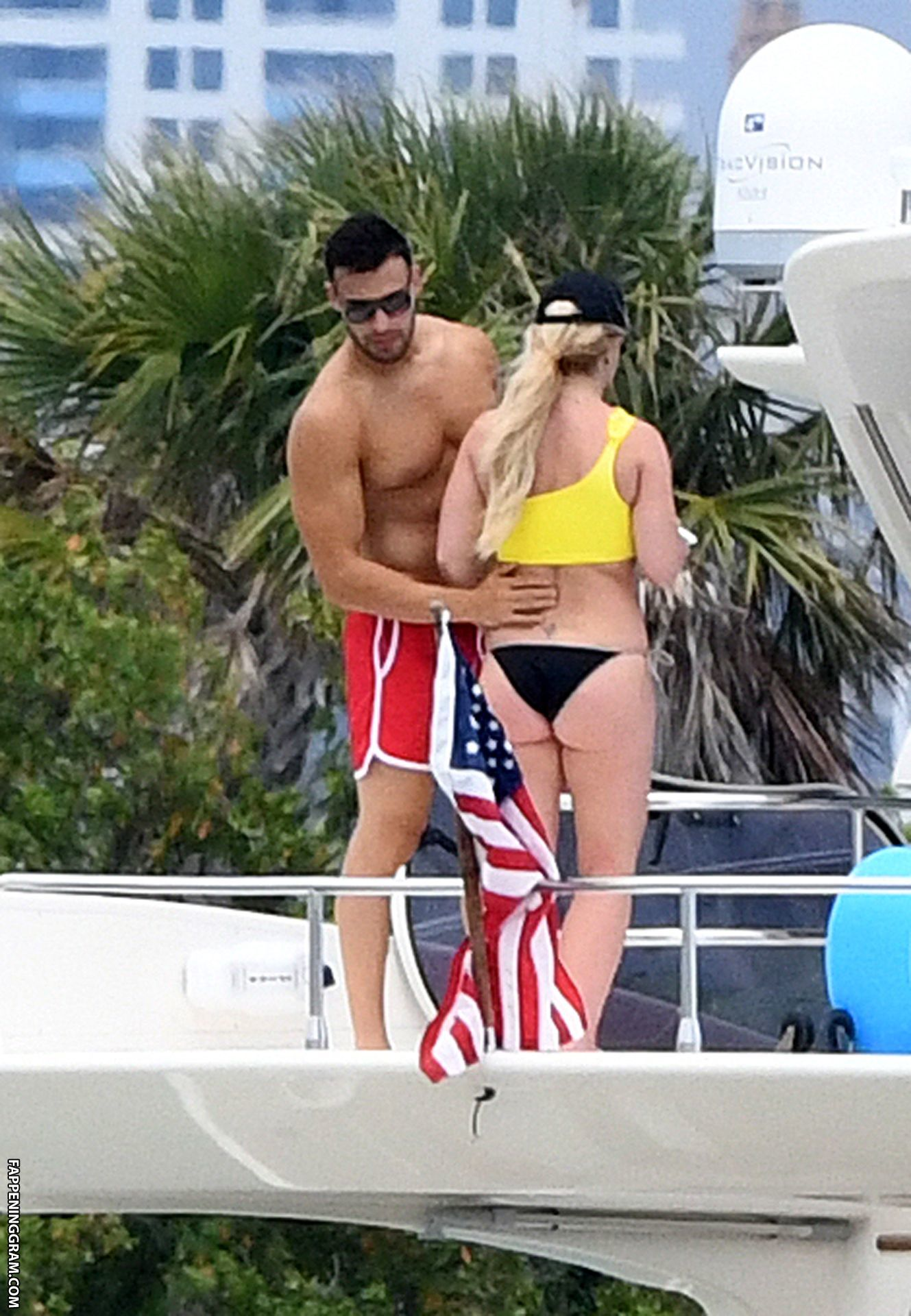Britney Spears Nude Photos (UPDATED 2020) - Page 2 of 2