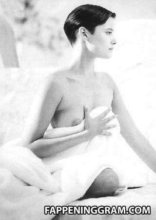 Harriet Harper  nackt