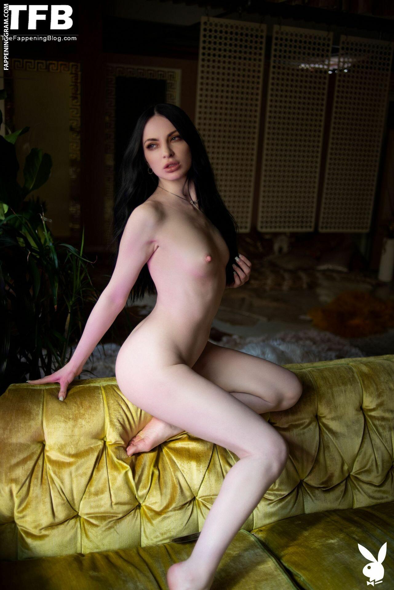 Carissa White Nude