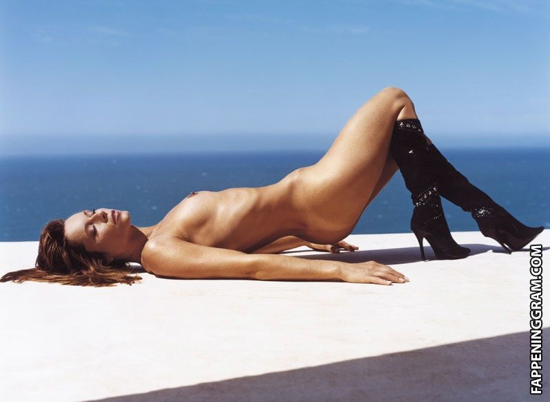 Christina Plate Nude