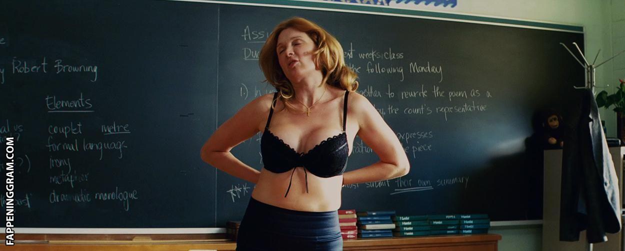 Claire Dargo  nackt