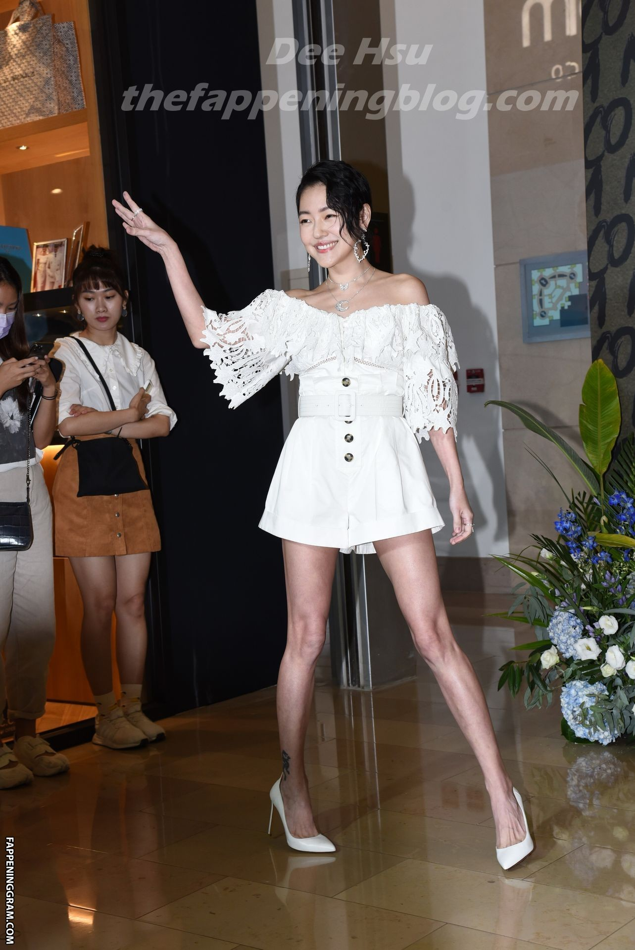 Dee Hsu Nude