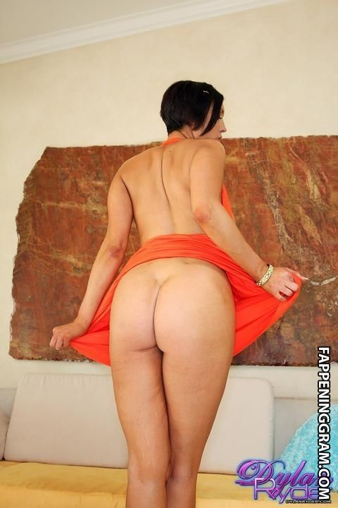 Adele nackt Proctor Maria Bello