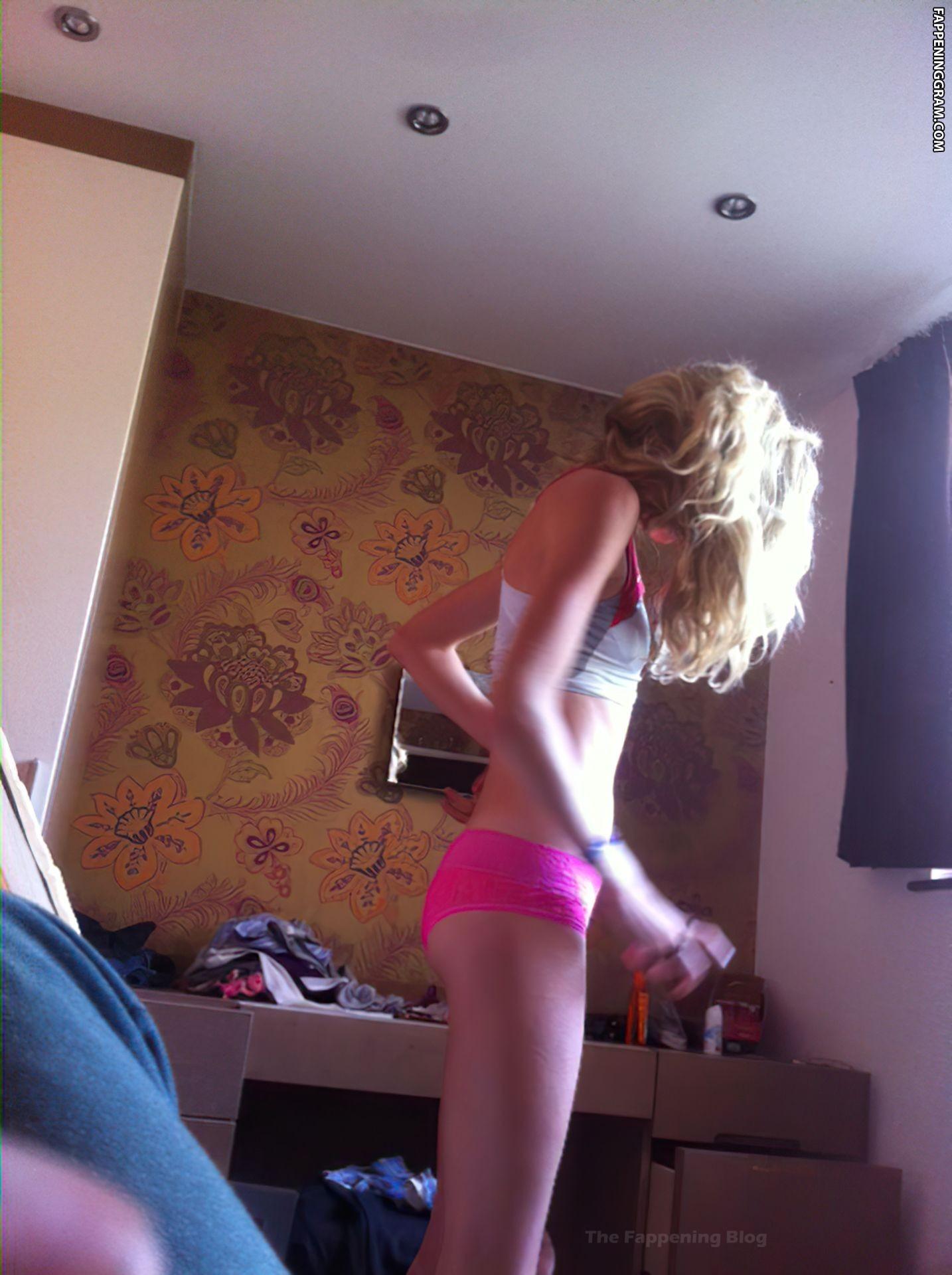 Eilish McColgan Nude