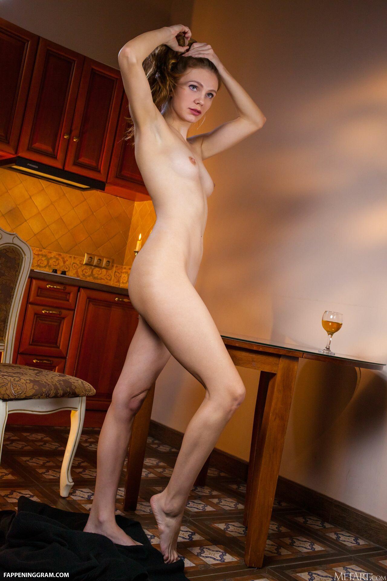 Elina De Leon Nude
