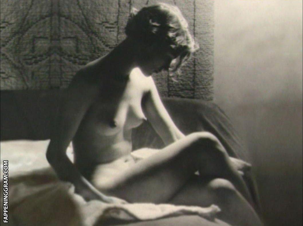 Nackt Anne Steffens  Sort by