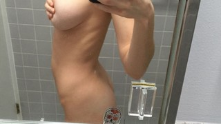 Elizabeth Turner Nude Leaks