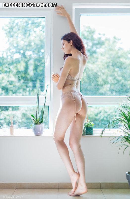 Hernandez  nackt Elodie Elodie Hernandez