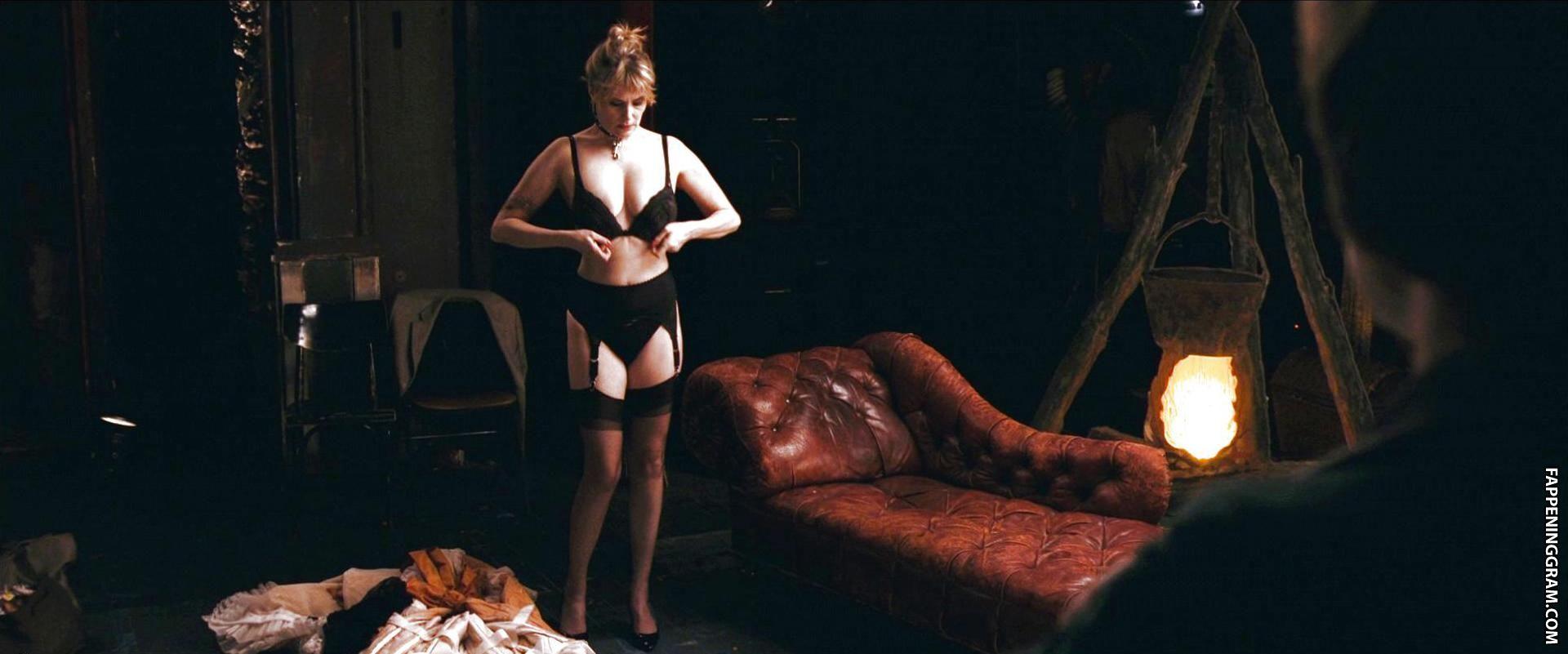 Justine Warrington  nackt