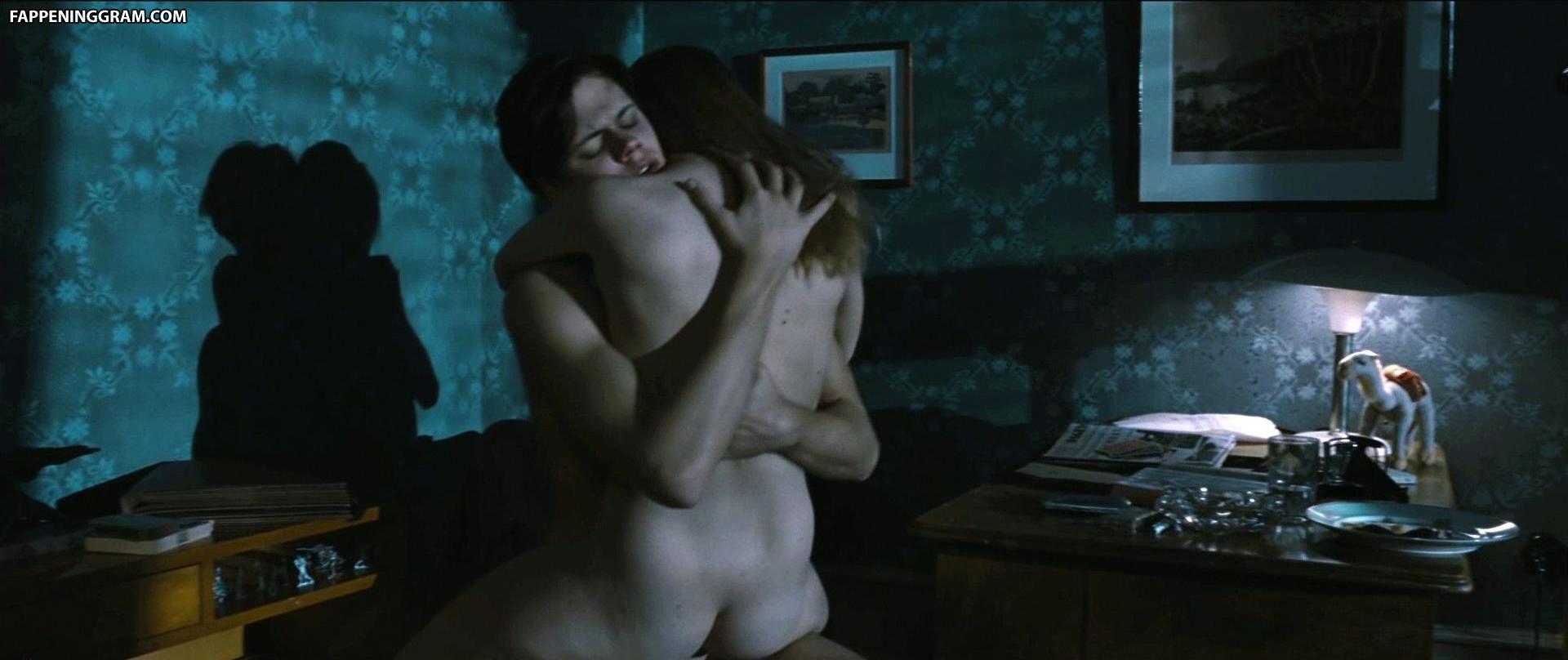 Hannah Moltoni  nackt