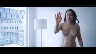 Eva Loebau Nude Leaks