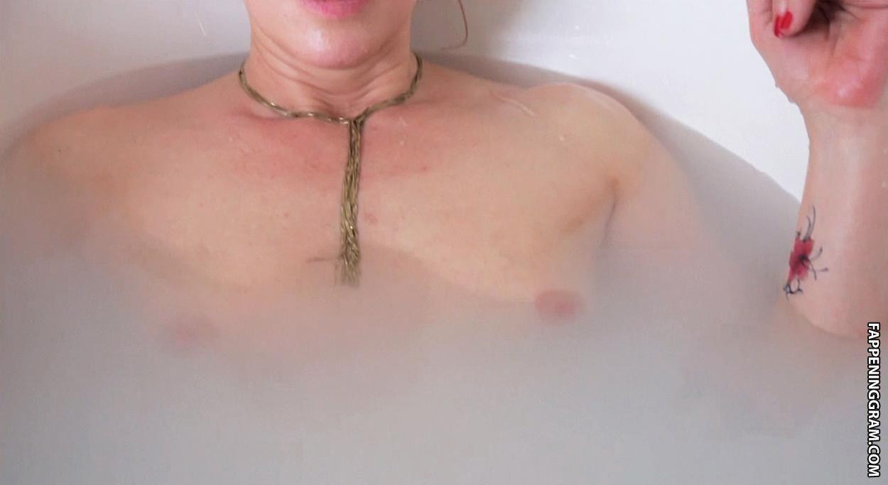 Florence Thomassin Nude