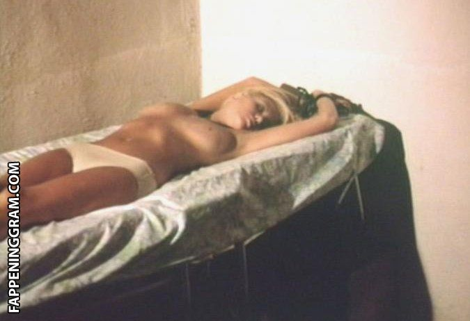 Natalie McCollough  nackt