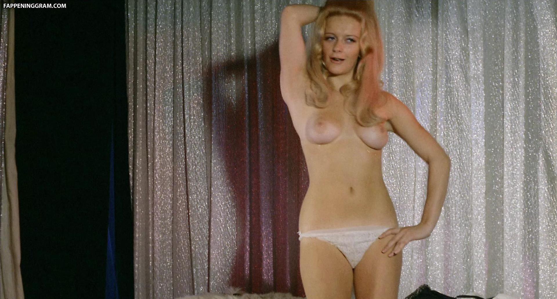 Naked lee grant in shampoo ancensored