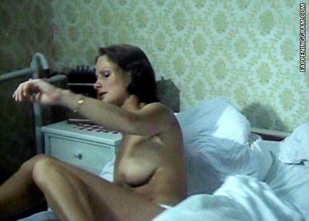 Ariel Kiley  nackt