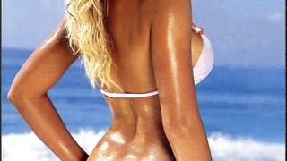 Holly Brisley Nude Leaks