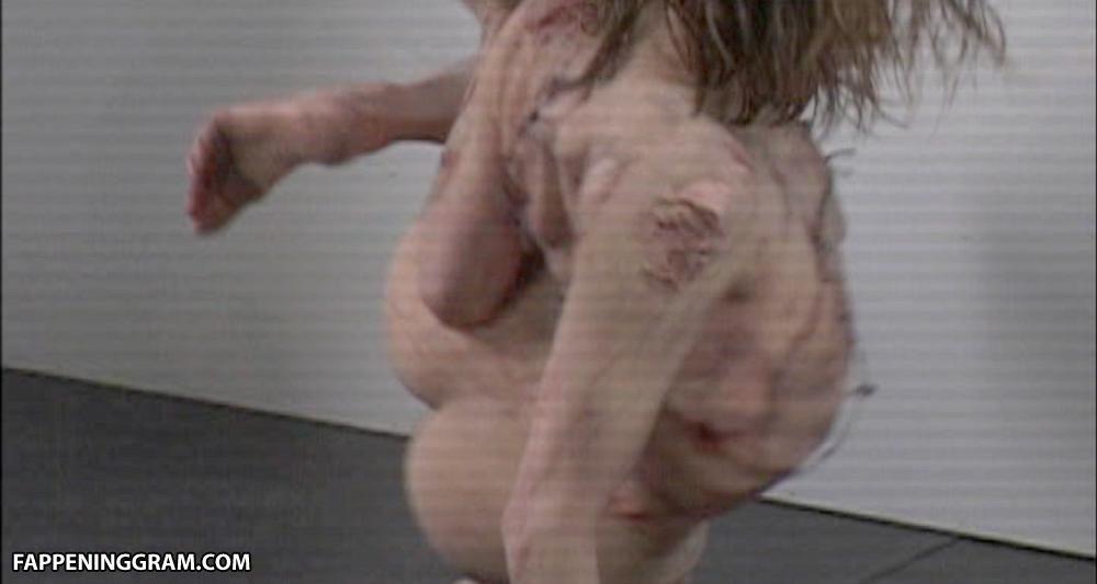 Suzanne Bjerrehuus  nackt