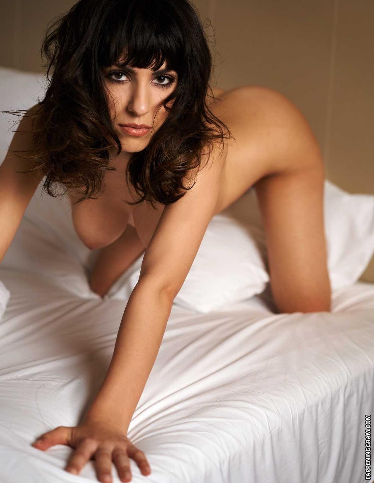 Nackt Lucie Hollmann  41 Hottest