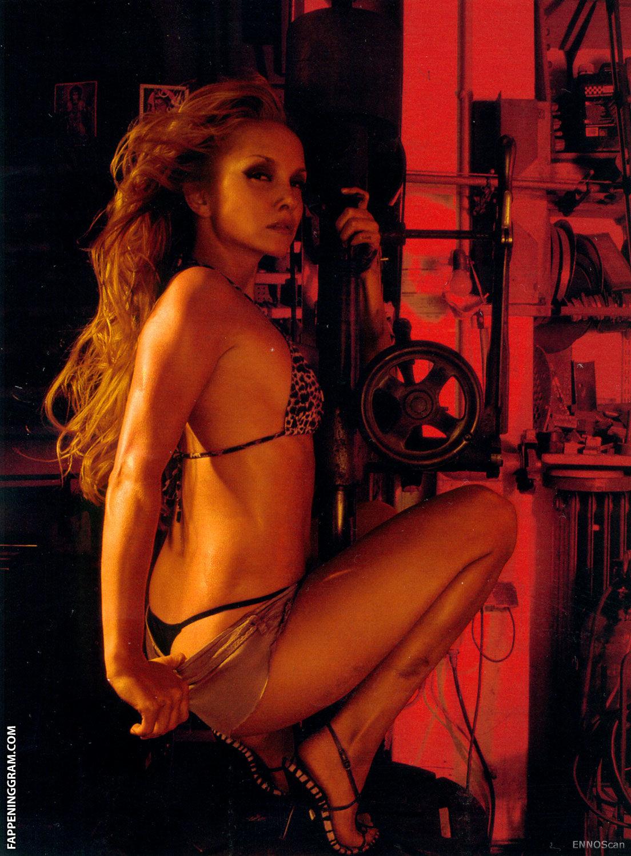 Renee nackt Breault 41 Sexiest