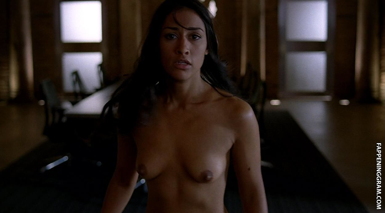 Paula patton topless lingerie guns how to