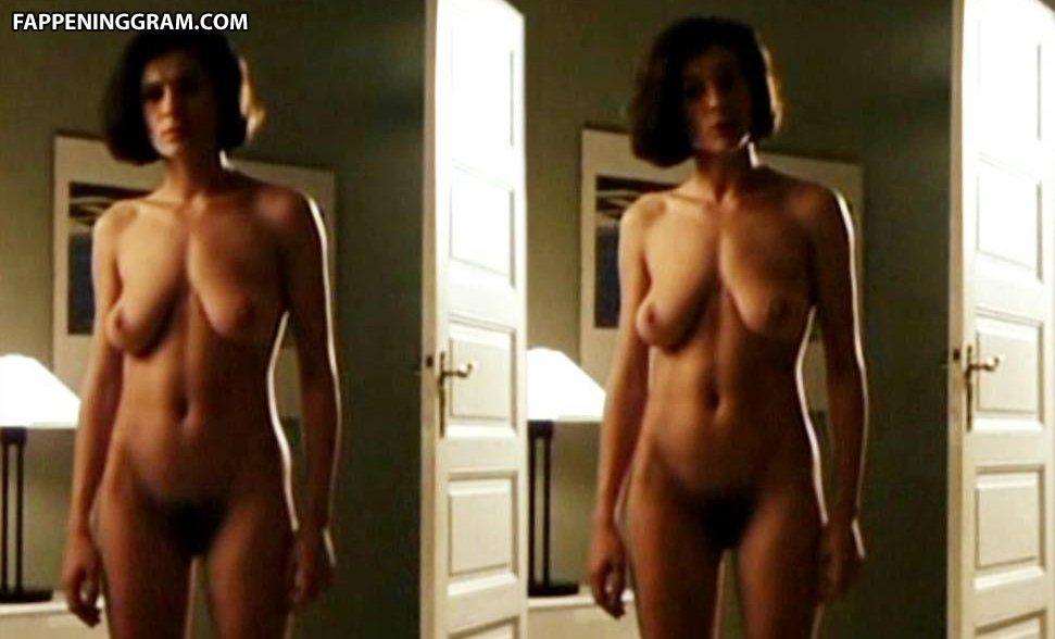 Naked Jeanette Linne In The Beach Girls Ancensored