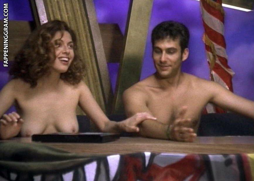 Jackie Gonzalez  nackt