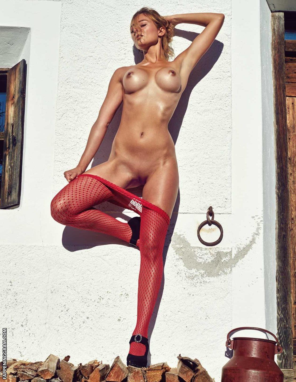 Maureen Mooney  nackt