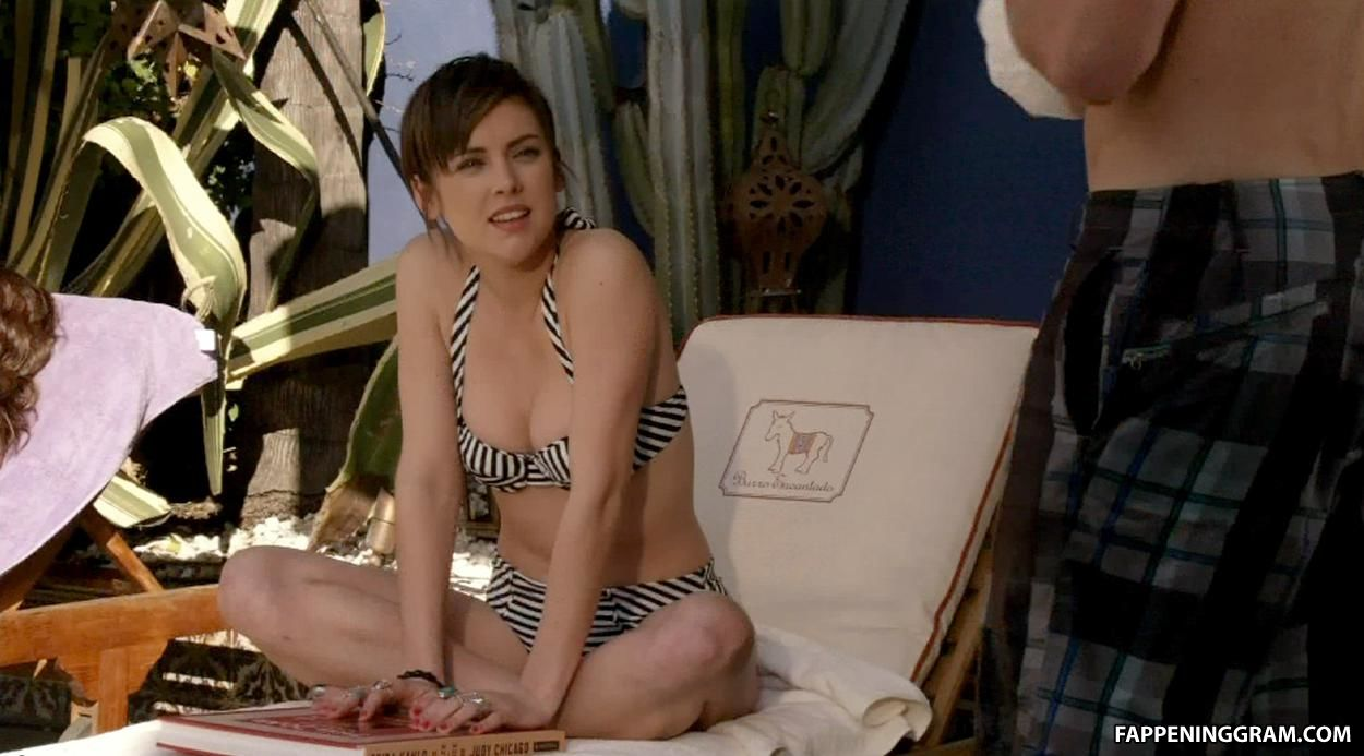 Jessica Stroup Nude Pics And Pics
