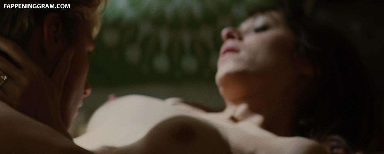 Nackt  Jodhi May • Berühmtheit
