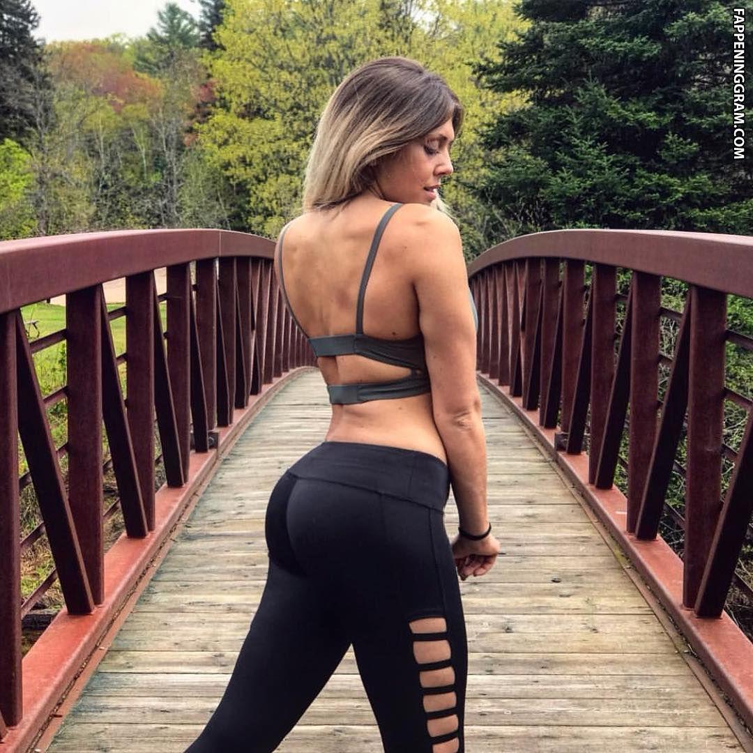 Justine Gallice  nackt