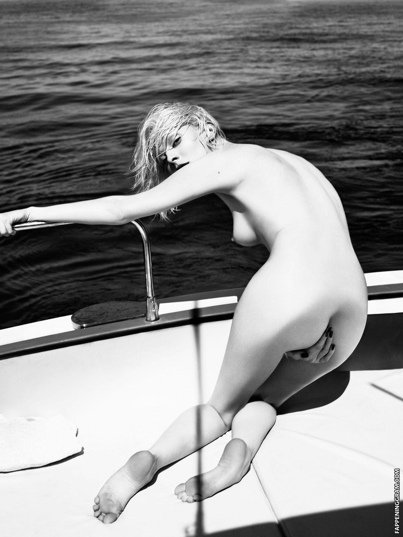 Nackt Diana Vickers  Diana Vickers