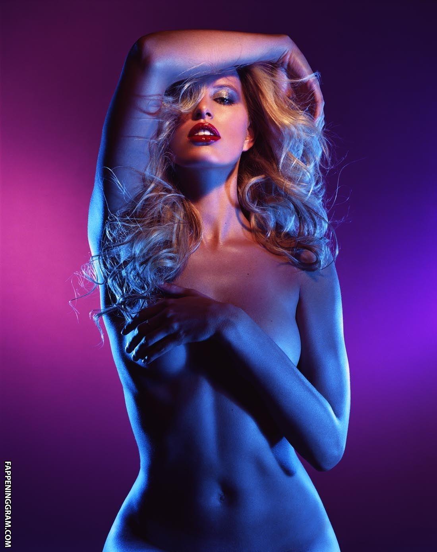 Ravshana Kurkova Nude, Fappening, Sexy Photos, Uncensored