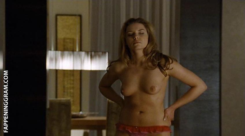 Rebecca Thorp  nackt