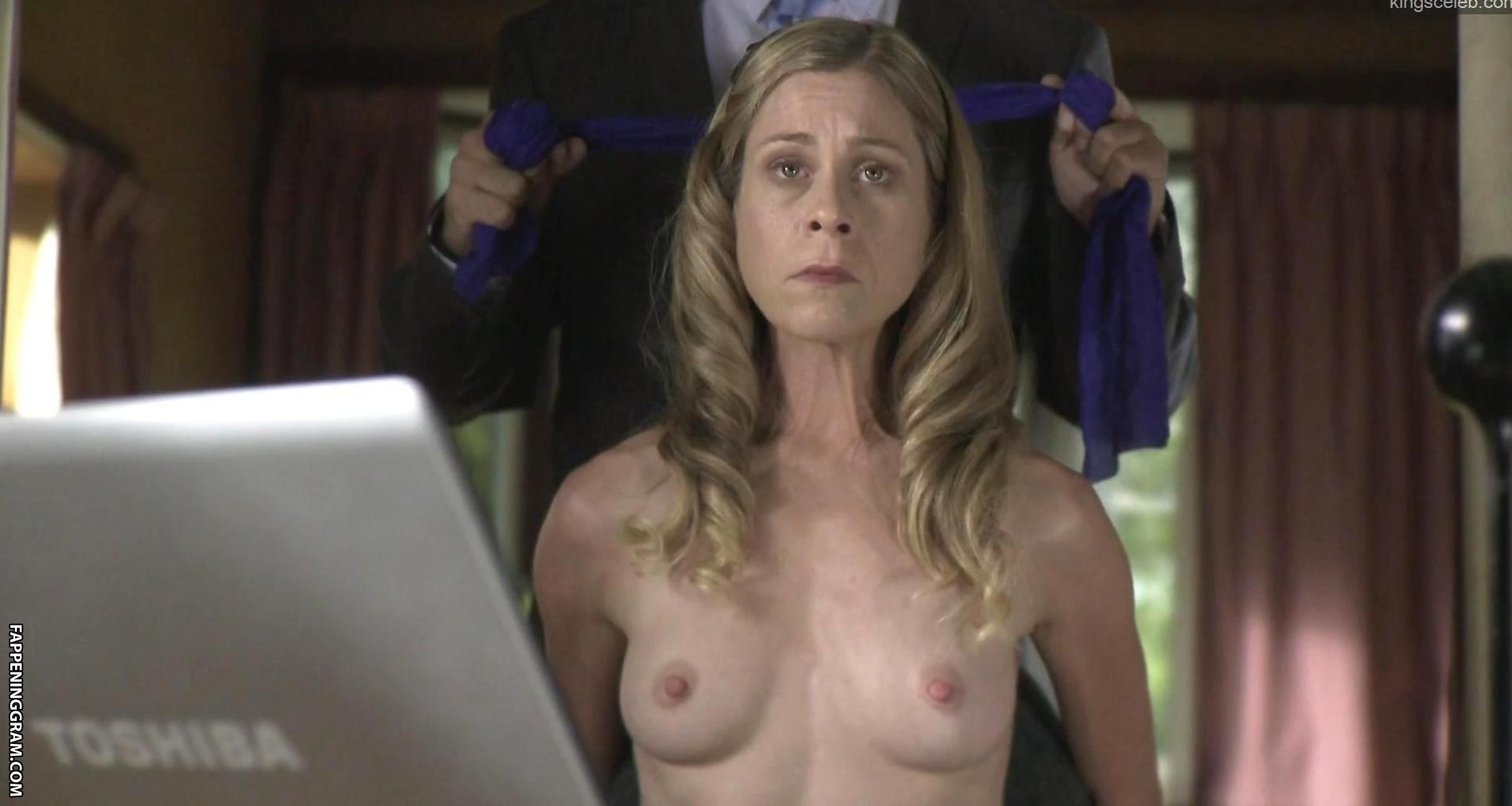 Camilla nackt Heaney Camilla Heaney: