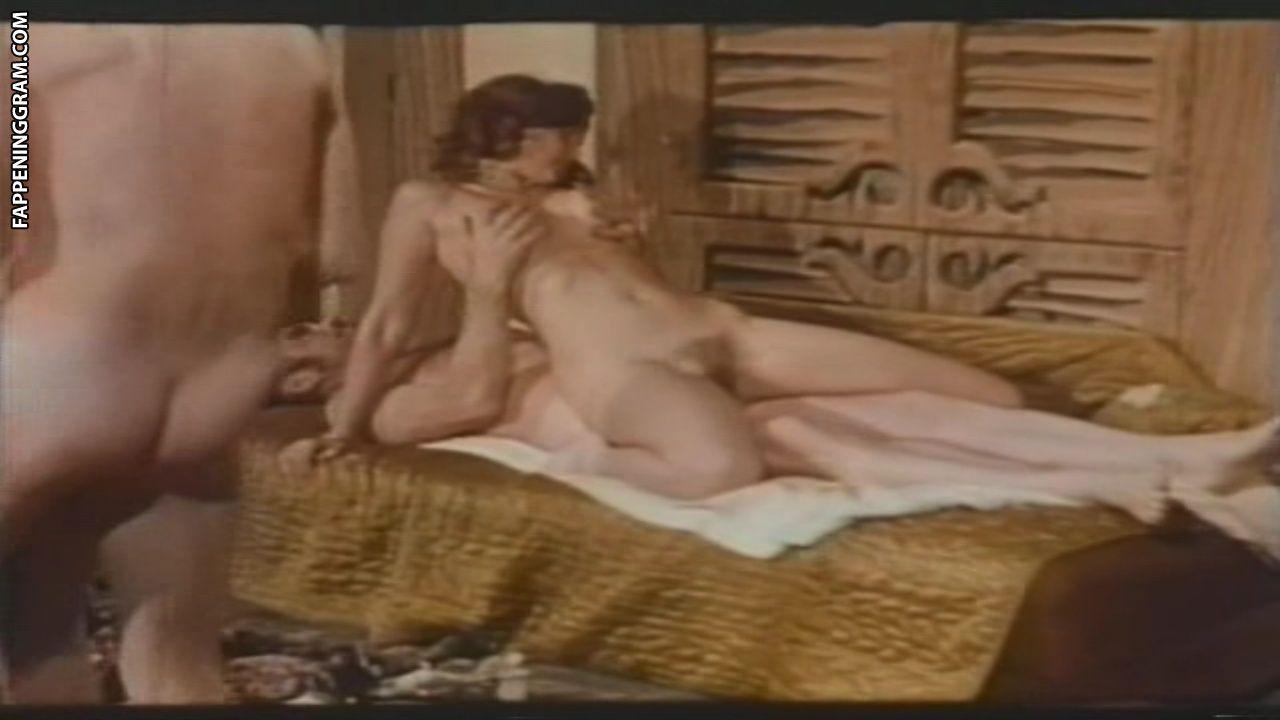 Brandy Woods  nackt